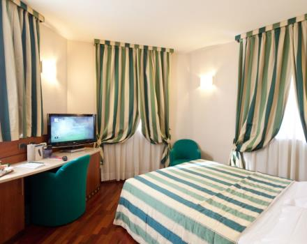 Book/reserve a room in Milan, stay at the Hotel Mirage