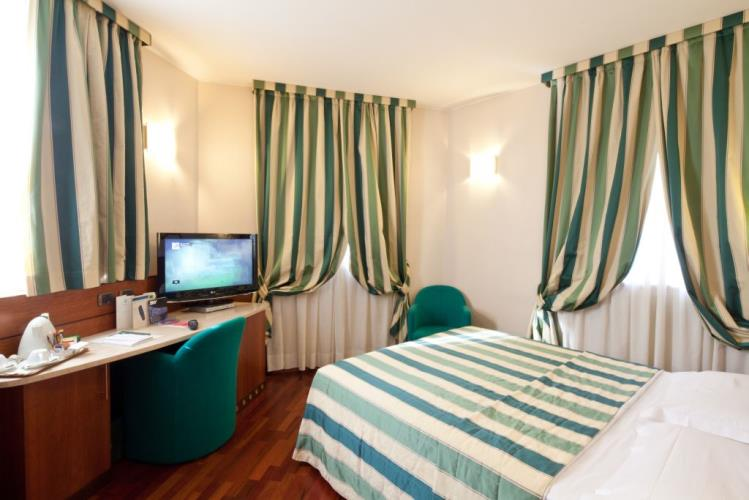 Camere hotel 4 stelle milano best western hotel mirage - Hotel con camere a tema milano ...