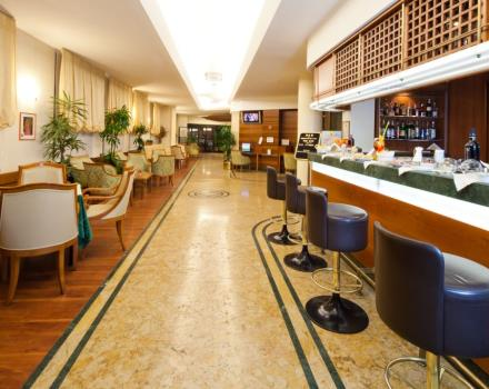 Discover America Bar at the Best Western Hotel Mirage