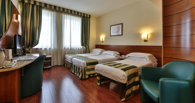 Camere triple 4 stelle a milano best western hotel mirage - Hotel con camere a tema milano ...