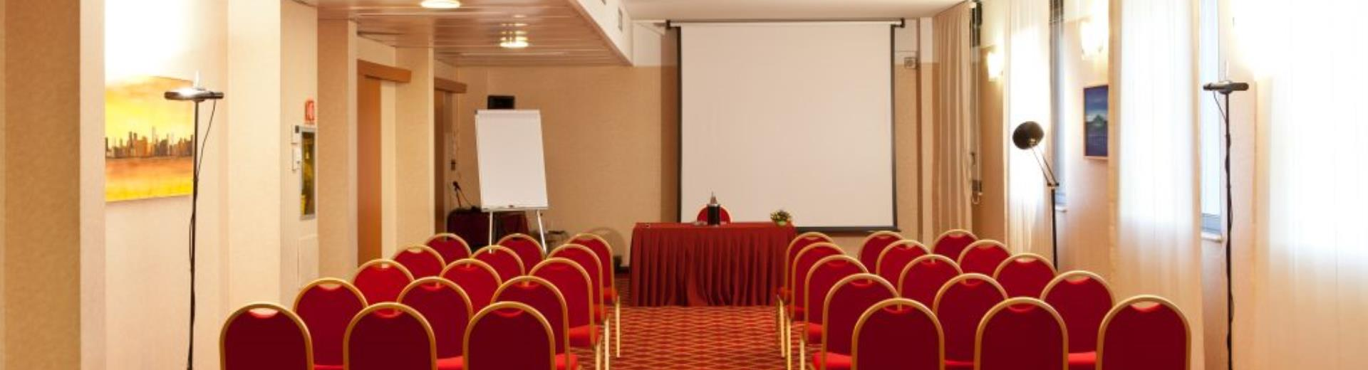 Discover the conference rooms in the Hotel Mirage and organize your events in Milan