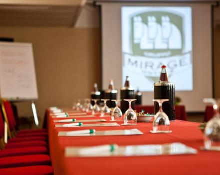 Do you have to organize an event? Are you looking for a meeting room in Milan? Discover the Hotel Mirage